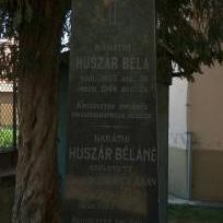 Huszár család síremléke